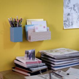 Home office. Un bureau à la maison aménagé sans trous, ni vis grâce aux languettes adhésives Command.