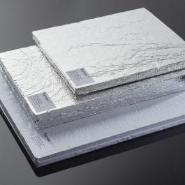 Isolants sous vide Recticel Insulation pour la fabrication d'emballages isothermes dédiés au transport des vaccins contre la Covid-19