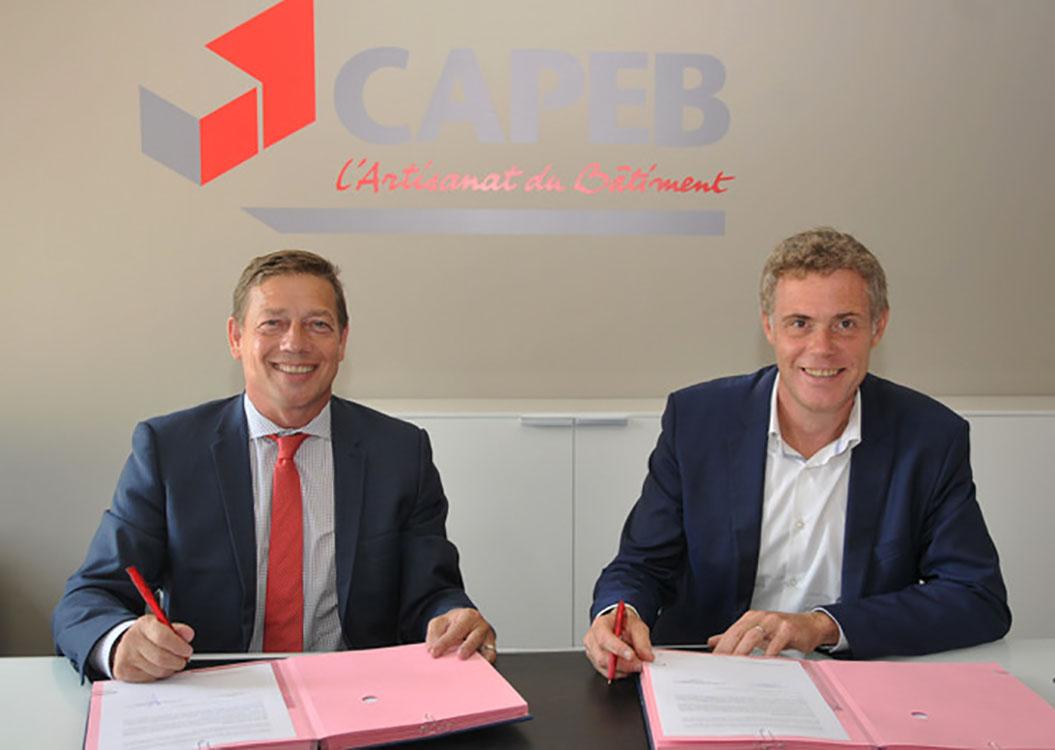De gauche à droite : Jean-Christophe Repon, président de la CAPEB et Régis Luttenauer, Directeur général Vaillant Group France © CAPEB